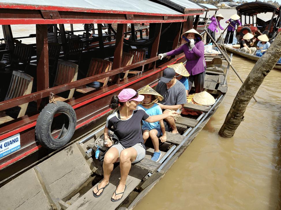 ティエンザン省のメコン川ボートツアー