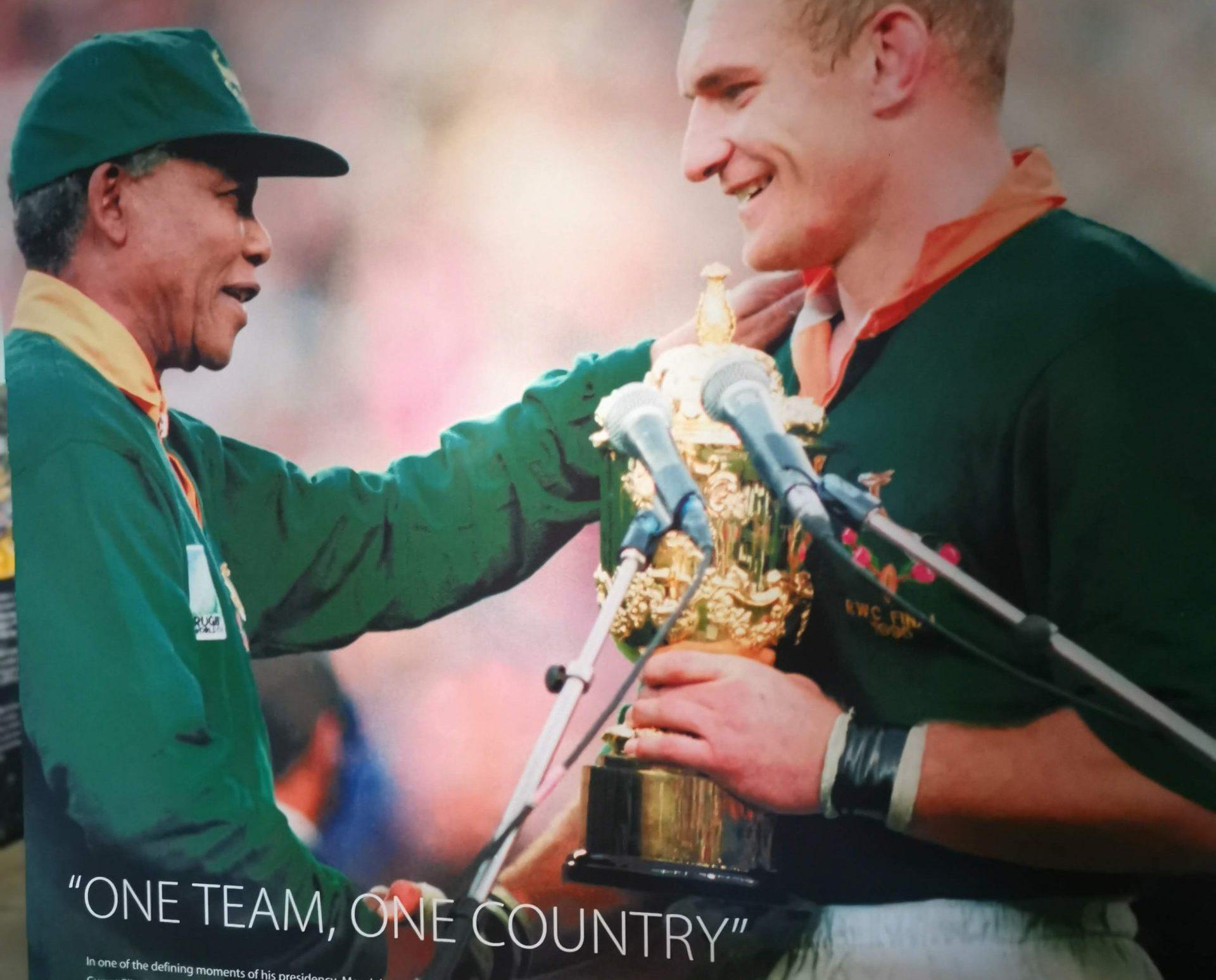 南アフリカのONE TEAM, ONE COUNTRYのポスターの写真