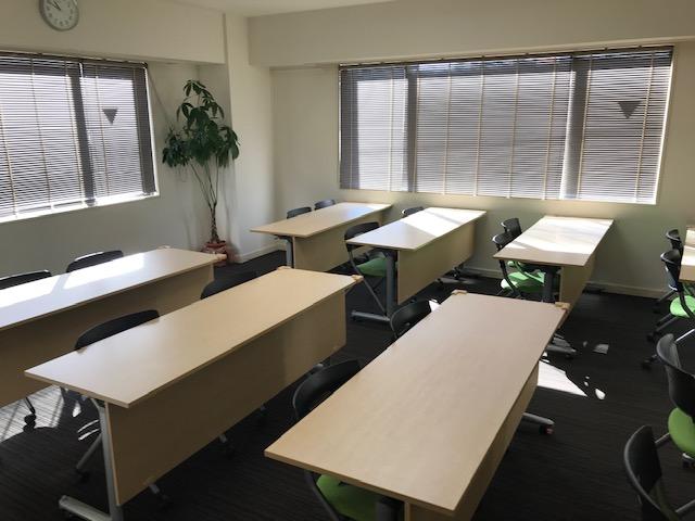 株式会社シェアウィズ東京オフィスで利用できる会議室の写真