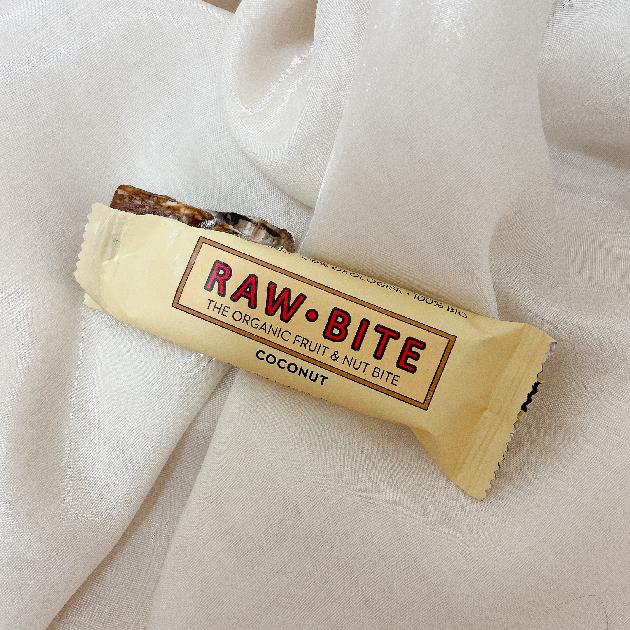 RAW BITEココナッツのお菓子の写真